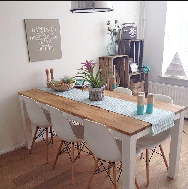 Comedor sillas charles eames dsw mesa de madera con for Sillas blancas modernas para comedor