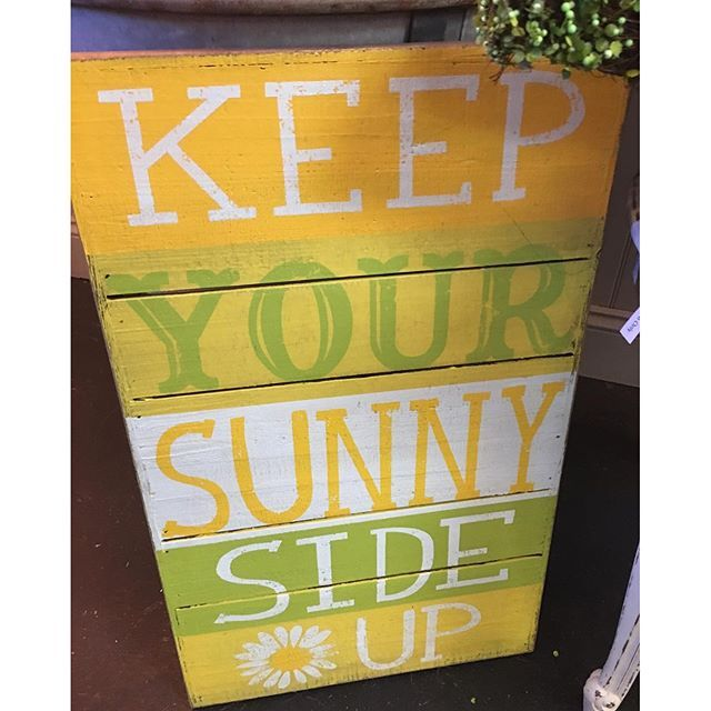 Good morning! Love this spring sign found at @sterlingsedmond at 105 S Broadway in Downtown Edmond! #shopedmond #cheerful #edmond #pallet #spring
