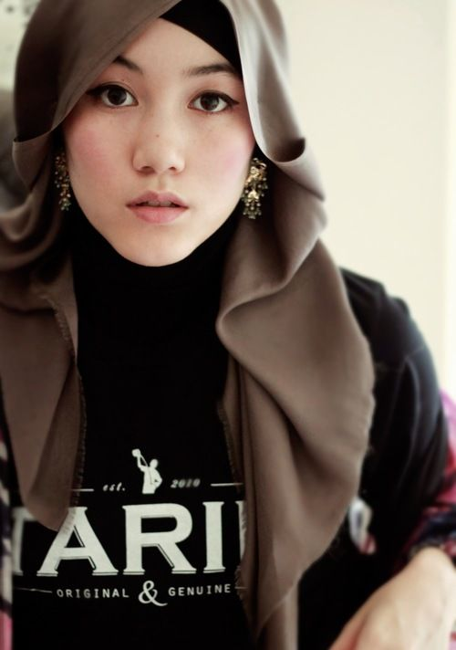 HANA TAJIMA    DESIGN   STYLING  3 this style.. mine would never stay in  place LOL!! 4455b2e9ee
