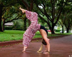 10 yoga poses in buddha pants i promise they'll make you