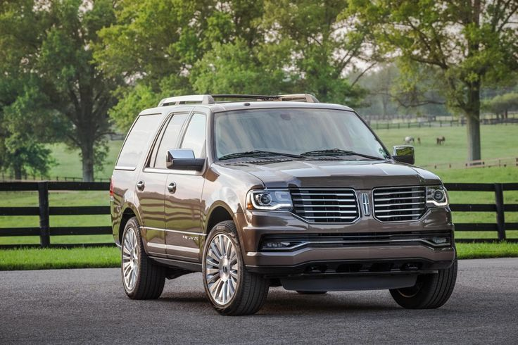 Nice Lincoln 2017: 2015 Lincoln Navigator Pictures - Autosaur Check more at http://24cars.top/2017/lincoln-2017-2015-lincoln-navigator-pictures-autosaur-2/