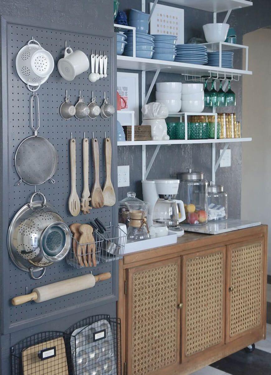 Cozinha Limpa E Organizada O Lixo Pode Estar Dentro De Um Armrio Ou