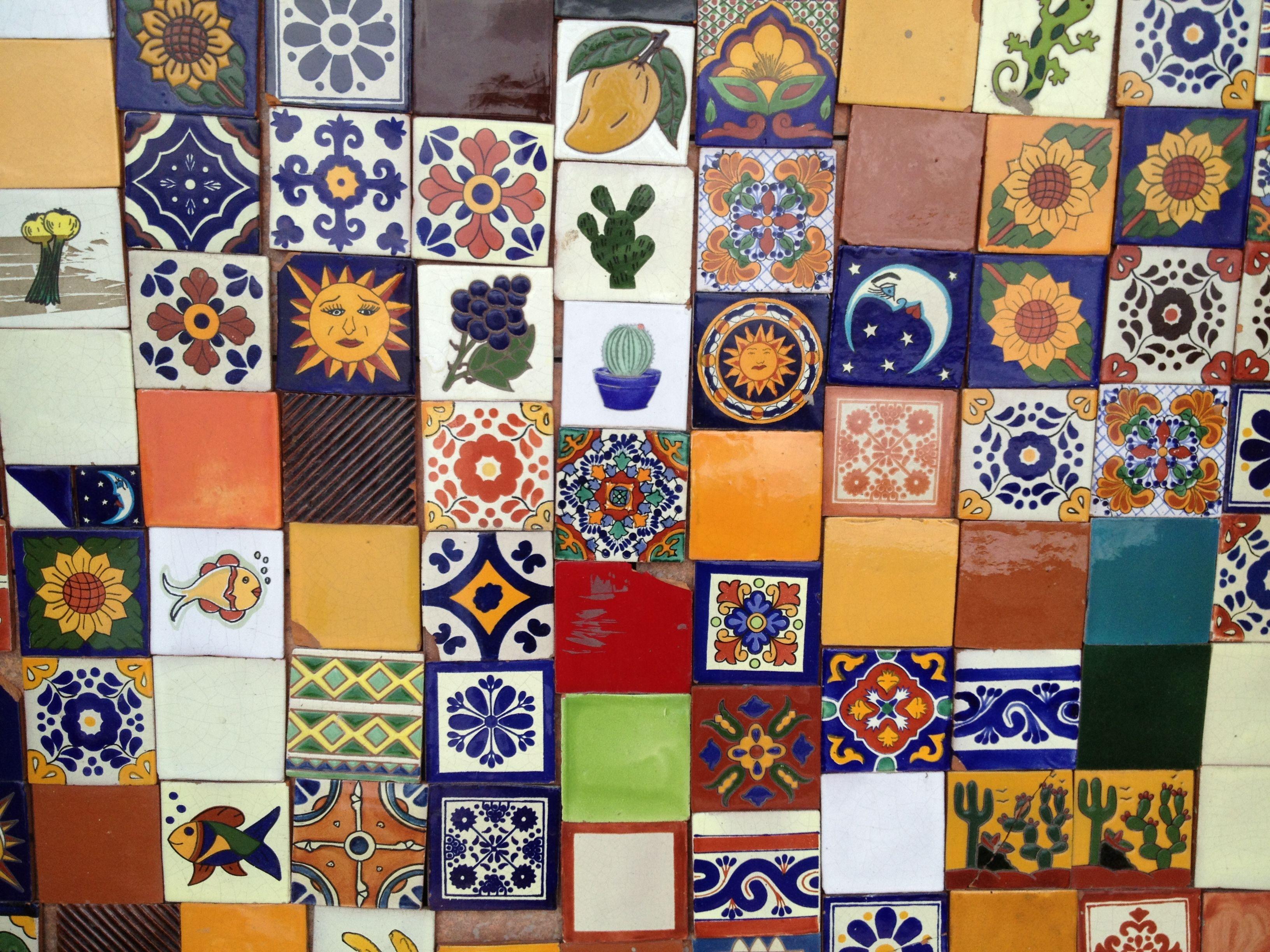 Azulejos variados de talavera y dolores hidalgo azulejo for Azulejo de talavera mexico