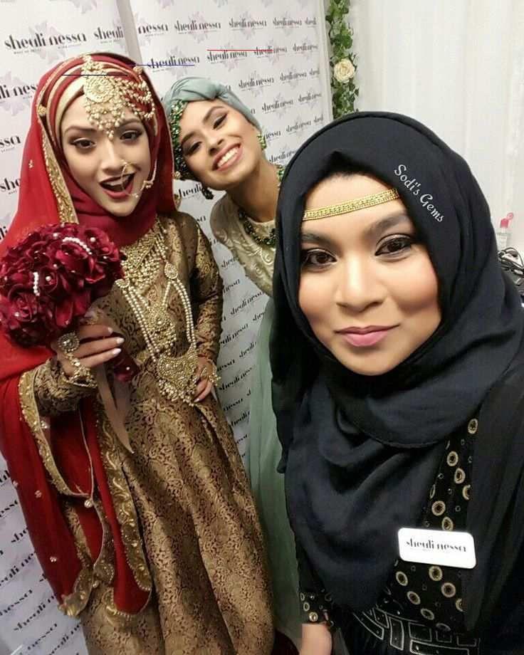 Sodis angels double gems  Hijab & Makeup @sheulinessa  Flowers @cerise_blossom Jewellery @kylescollection Outfits @motifsbymaya  #squad #asianfashion #asianbridelive #instagood #friends #instalike #instamood #instadaily #fashion #hijabi #show #models #smiles #love by miz.g.p<br>