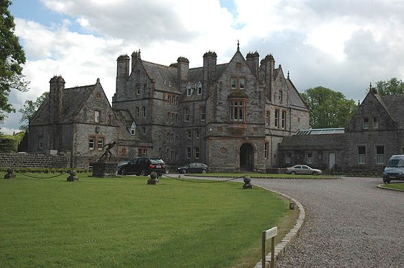 Castle leslie in ireland i stayed here and yes it is for Stay in a haunted castle in scotland