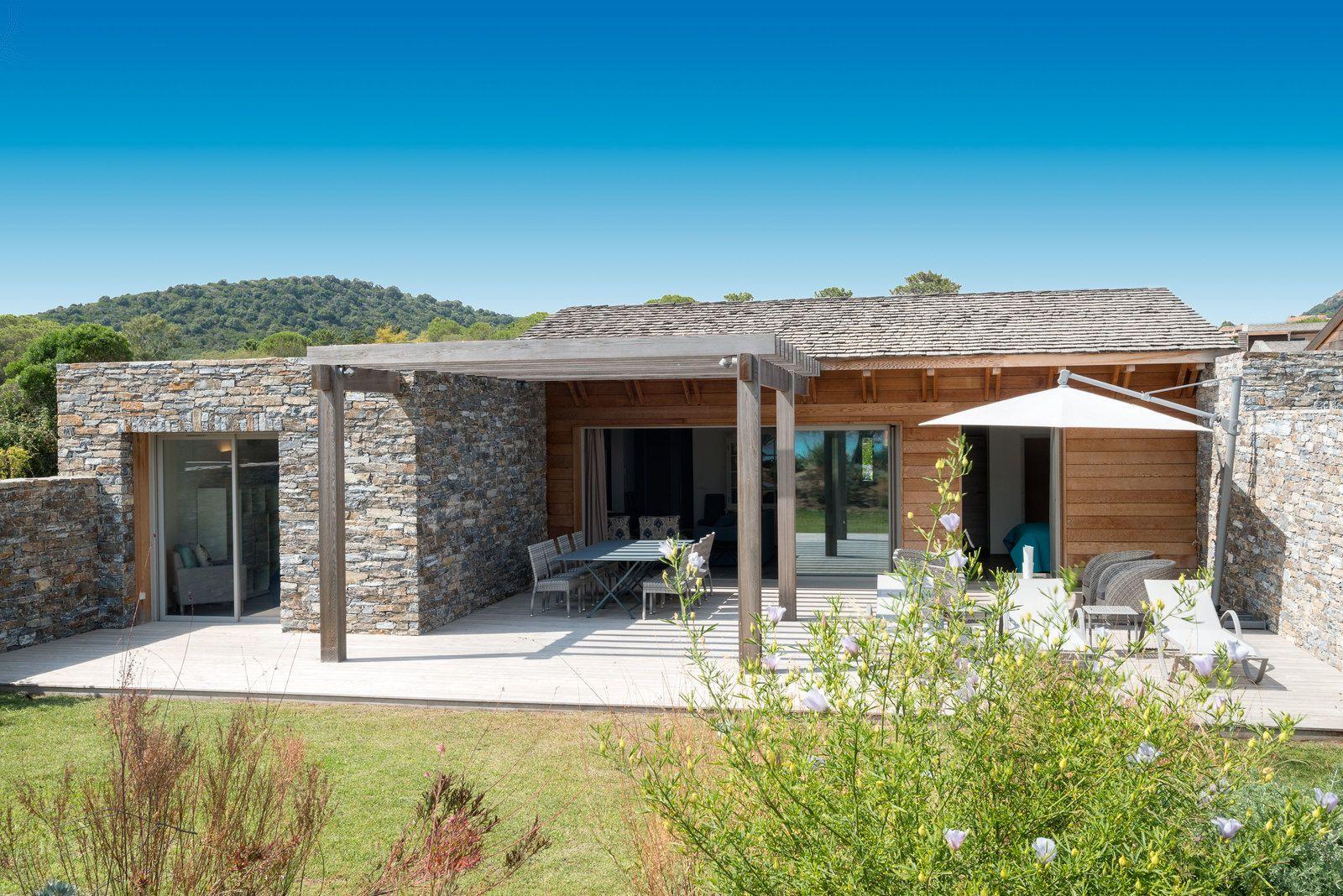A vendre porto vecchio en corse villa en bord de mer maison corse en 2019 villa outdoor - Maison bois en corse ...