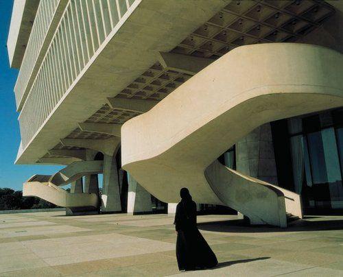 "Shirin Neshat's ""Soliloquy"", 1999"