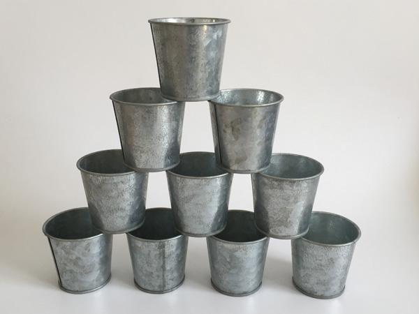 2019 D6 5xh6cm Galvanized Succulent Pots Vintage Rustic Nostalgia Mini Nursery Pot Silvery Tin Planter Mini Galvanized Buckets From Gudanyijinbuzai 0 56 Dhg Tin Planters Succulent Pots Mini Garden