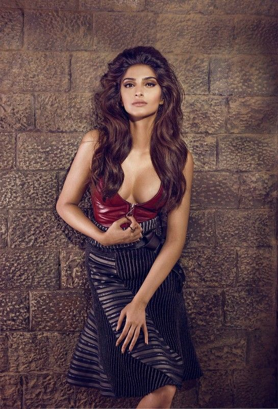d83ffe0869643 Top 10 Hottest Bollywood Actress With 100% Perfect Figure 2018 The ...