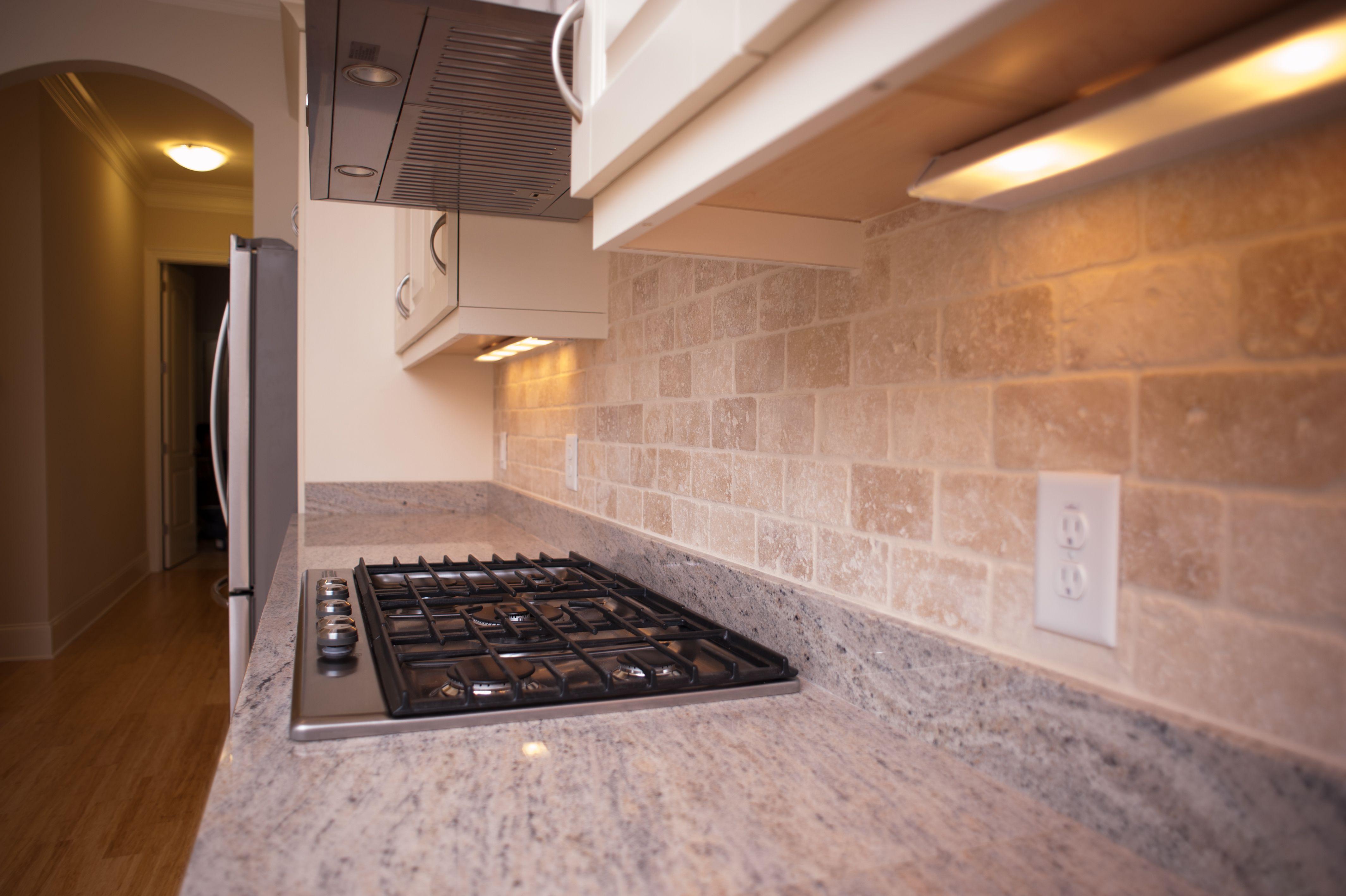 Granite Counter Tops Tile Back Splash Built In Gas Stove