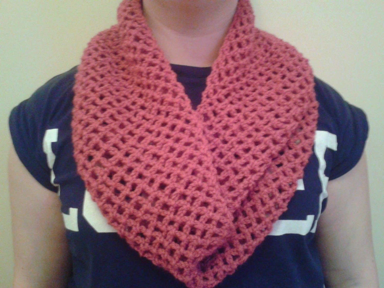 Quick Crocheted Lace Infinity Scarf (Free Pattern