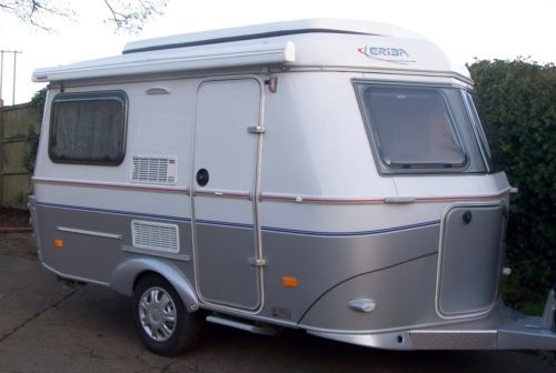 2009 hymer eriba familia 320gt touring caravan ideen. Black Bedroom Furniture Sets. Home Design Ideas