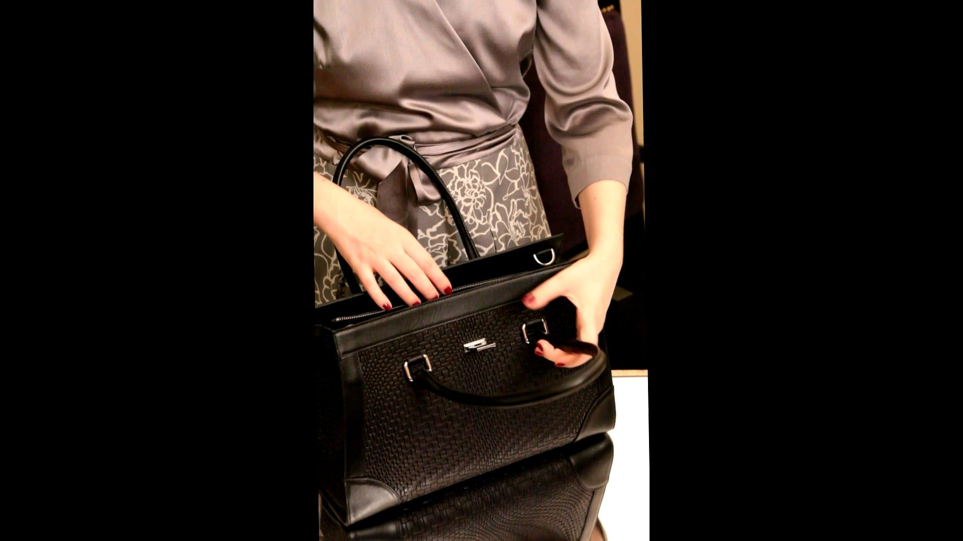 Tessere satchel in calf skin with interior lighting system by Glass Handbag