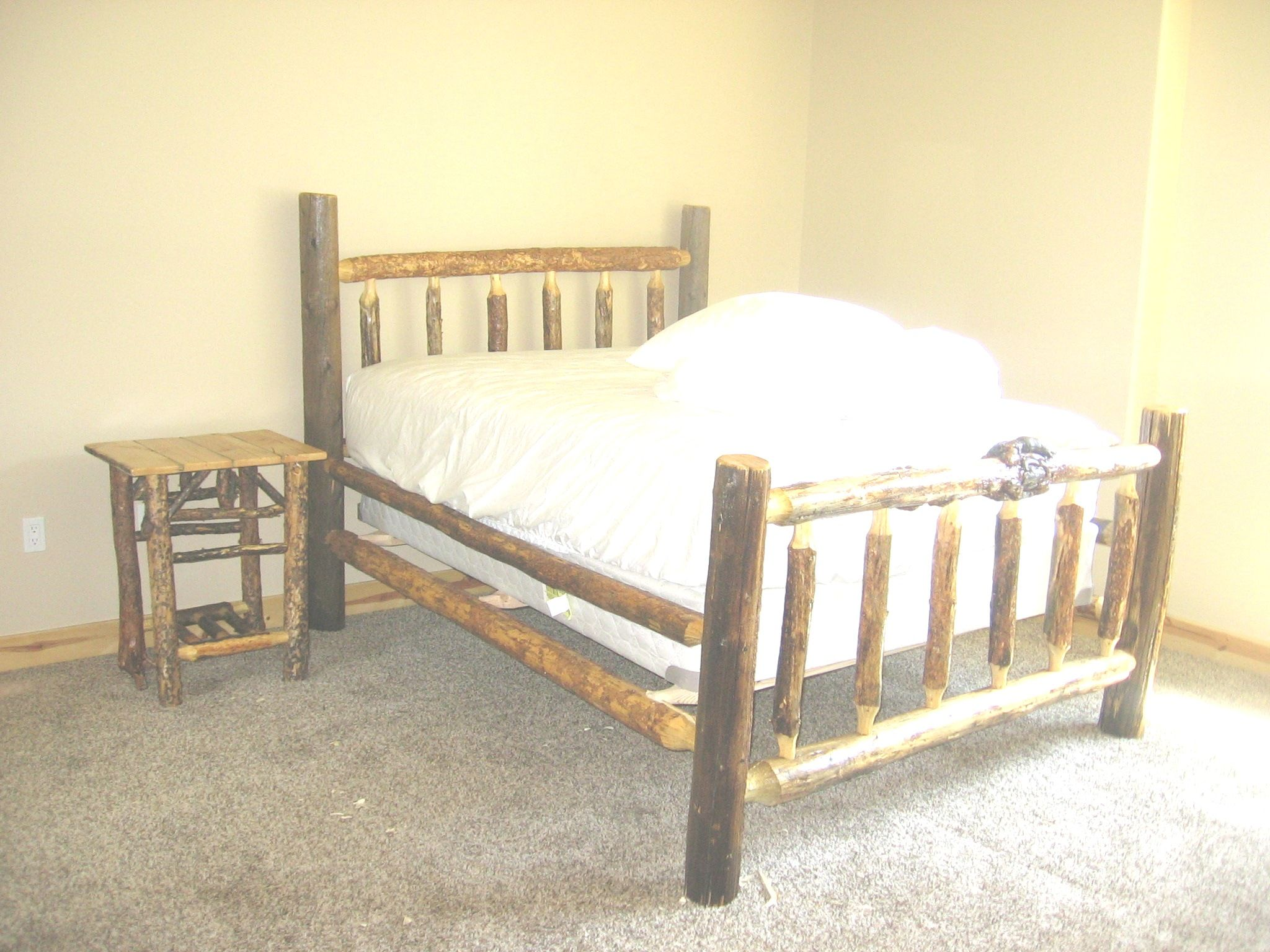 Custom aspen kind size bed in Texas. Visit www