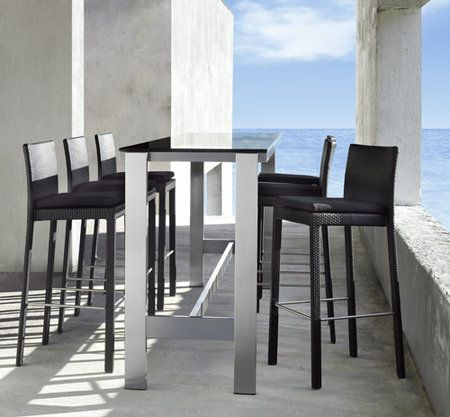 Het nieuwe tafelen vindt plaats aan de bartafel. In steeds meer ...