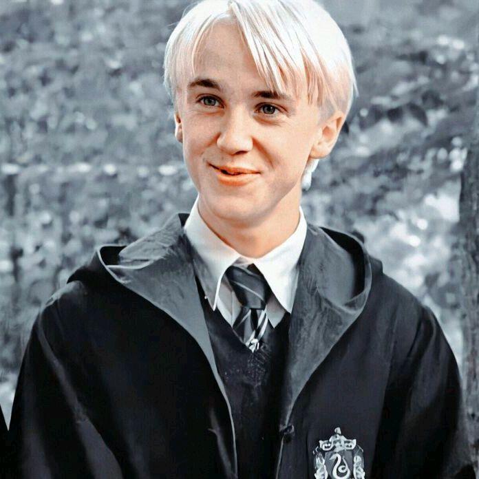 Draco 186 Podpischiki 8 Podpiski 26 Lajki 1 Aziza Sozdaet Klassnye Korotkie Videoroliki In 2020 Draco Malfoy Aesthetic Draco Malfoy Tom Felton Draco Malfoy