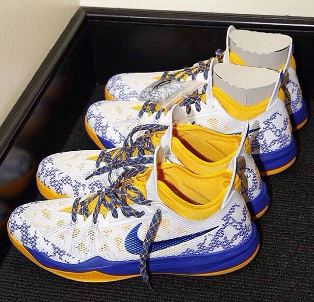 Andre Iguodala Nike zoom crusaders