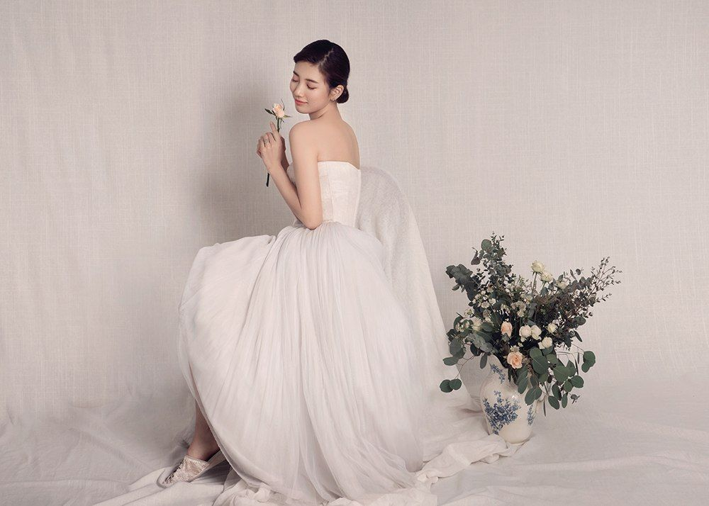 763ccc50ea3 These photos of miss A's Suzy in a wedding dress are absolutely ...