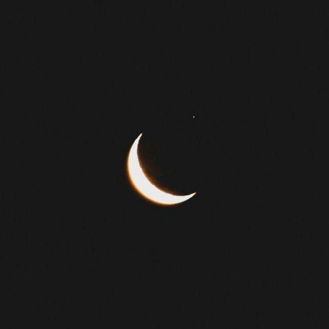 Moon Love Help Heartbreak Moon Crescent Theme Black Aesthetic Tumblr Blacktheme Blacka Black And White Aesthetic White Aesthetic Night Aesthetic