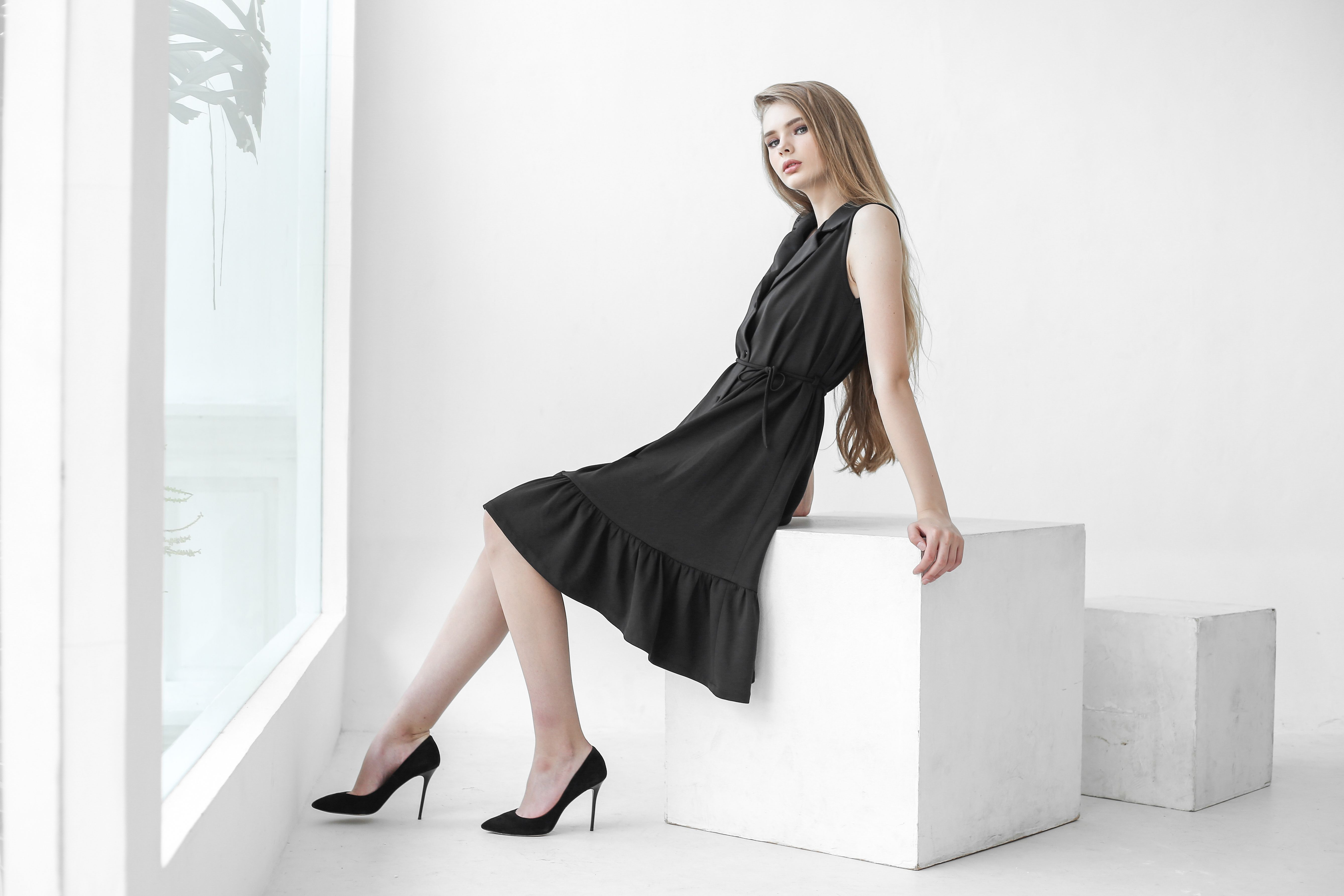 Relo Dress An Ultimate Sleeveless Sleek Black Dress Choice For Modern Urban Lady With Ruffle Botto Jolie Clothing Black Dress Dresses [ 3571 x 5357 Pixel ]