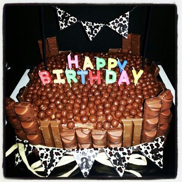 Kinderbueno, kitkat, malteser taart #bosvruchten, chocolade/ room vulling#