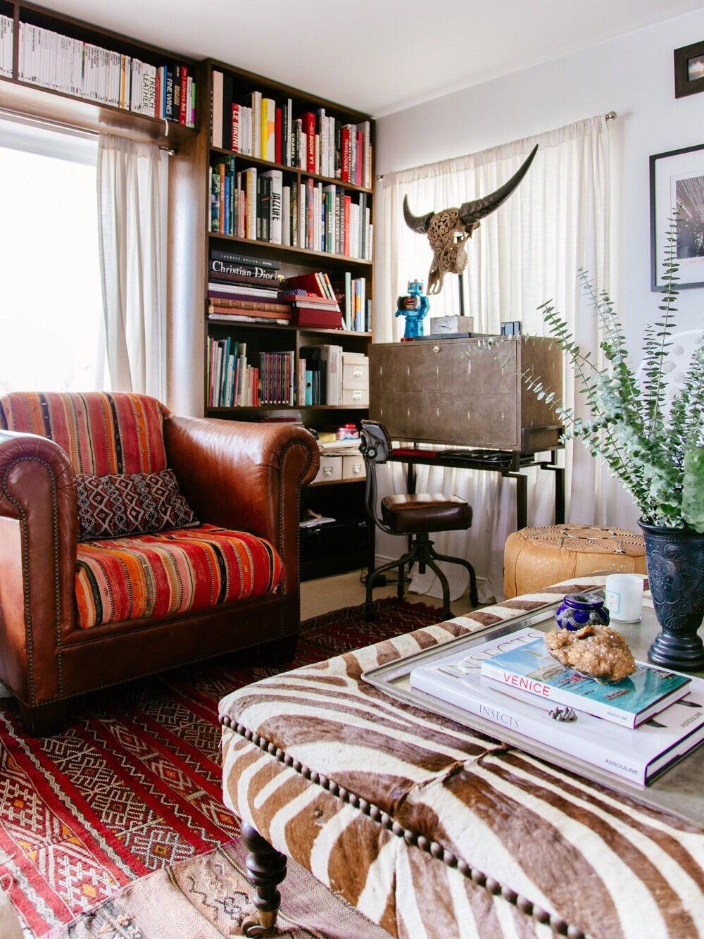 The new bohemians u cool u collected homes is out living rooms