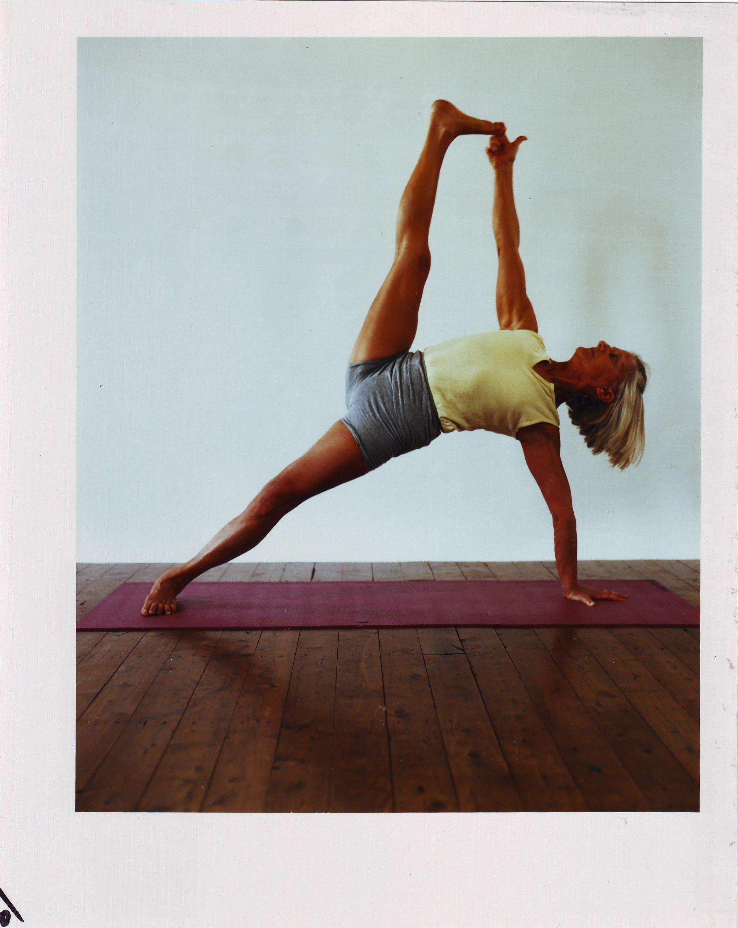 Pixie Lillas in Vasisthasana II. | Art of Yoga | Pinterest ...