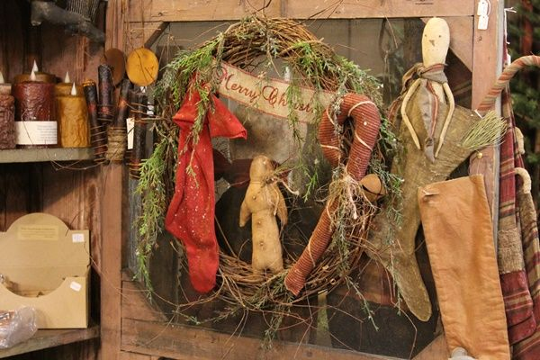 Pin by Sharon Renninger on Christmas Treasures Pinterest Wreaths - primitive christmas decorations