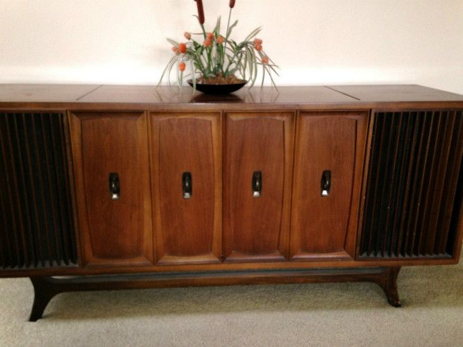 Zenith x940 MidCentury Modern stereo console  Excellent