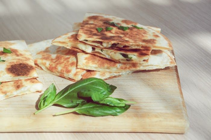 http://stardustandroses.blogspot.com/2013/10/recipe-corn-tortillas-with-chicken-basil.html#more