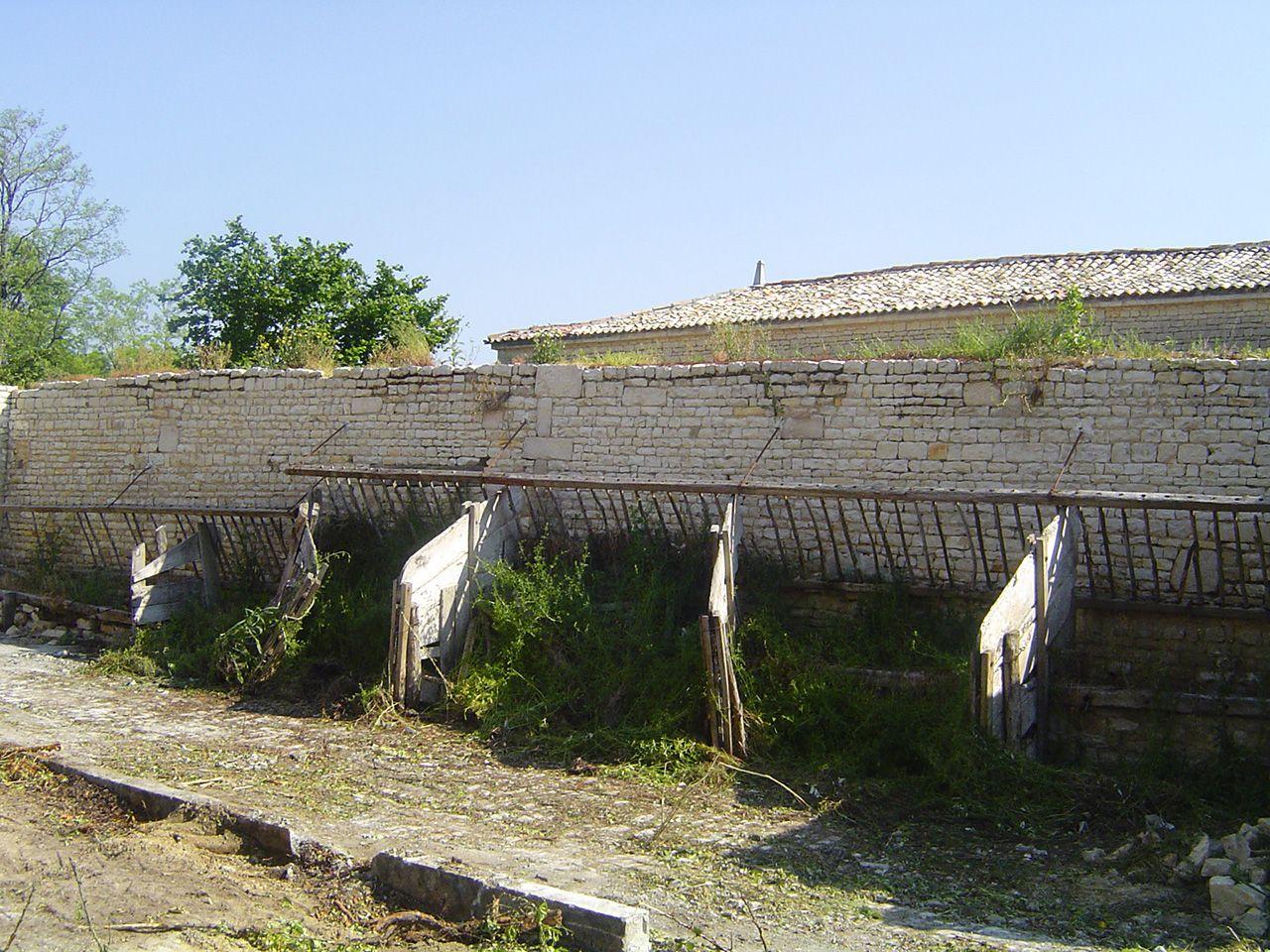 L'ancienne écurie se situait devant la grange