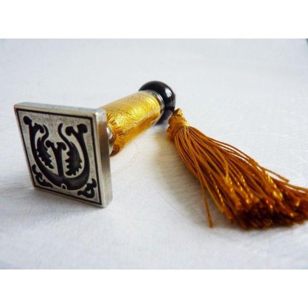 https://calligraphyarts.co.uk/shop/de/wachssiegel-briefmarken/331-glass-stempel-und-wachs-siegel-set.html