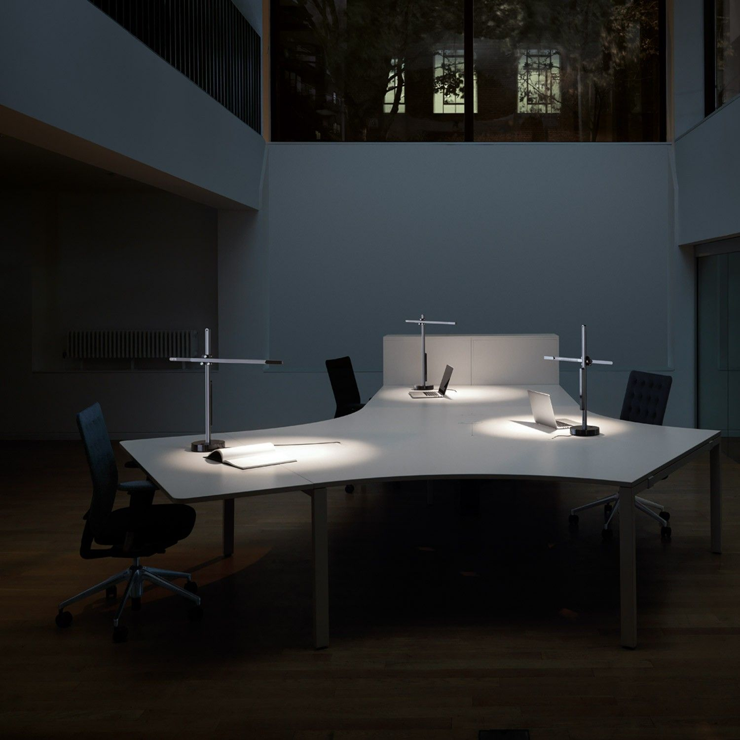 The Csys Led Desk Lamp Is A Sleek And Minimal Fixture Idea For Modern Work Spaces Modern Office Lighting Modern Interior Design Modern Lamp