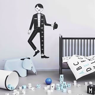 Meet our new Measure Man, perfect for decoration in the kids' room. Let the kids measure themselves and their friends. With Arne Jacobsen's vintage numbers.