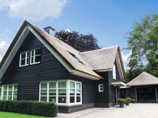 Houten Woning Ideeen : The black house een traditioneel landelijk houten huis uit