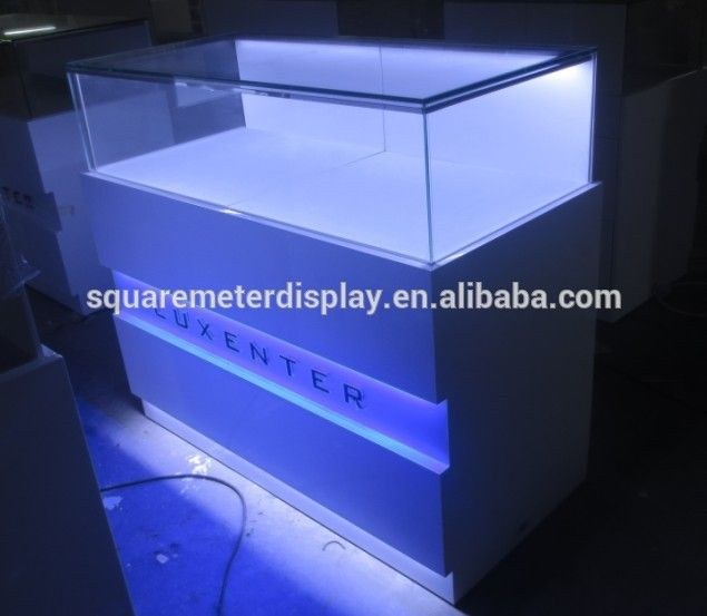 Source Customized White Powder Coated Used Glass Jewelry Display