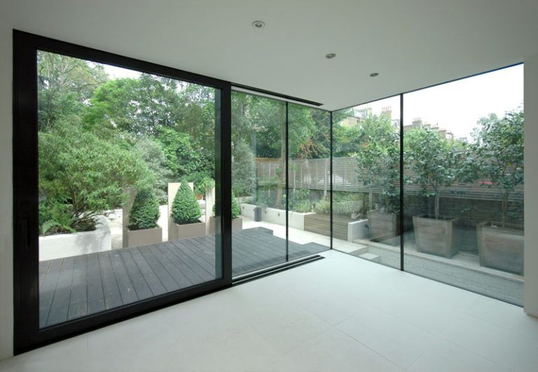 This House Extension In London Got A Contemporary Design Makeover House Extensions House Extension Design Modern Windows Exterior