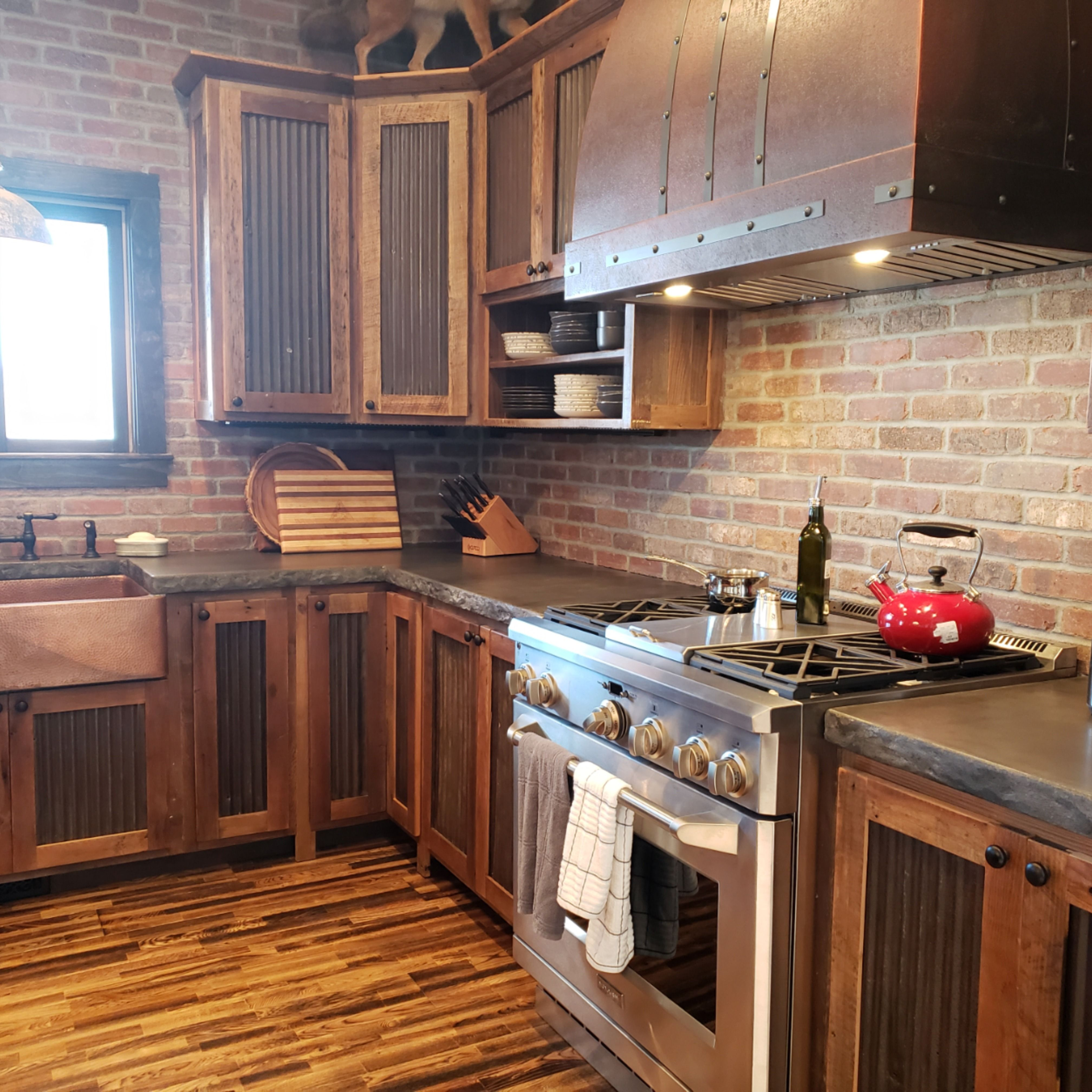 Farmhouse Kitchen In Barnwood Cabin In 2020 Kitchen Cabinet Door Styles Kitchen Cabinet Styles Rustic Kitchen Cabinets