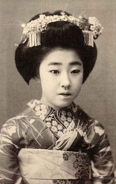 Osaka Maiko Yachiyo II - 1915 | by Blue Ruin1