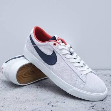 timeless design bd7da 3ce13 nike sb blazer low gt summit white obsidian-university red - Google Search    Shoes   Nike, Nike SB, Nike cortez