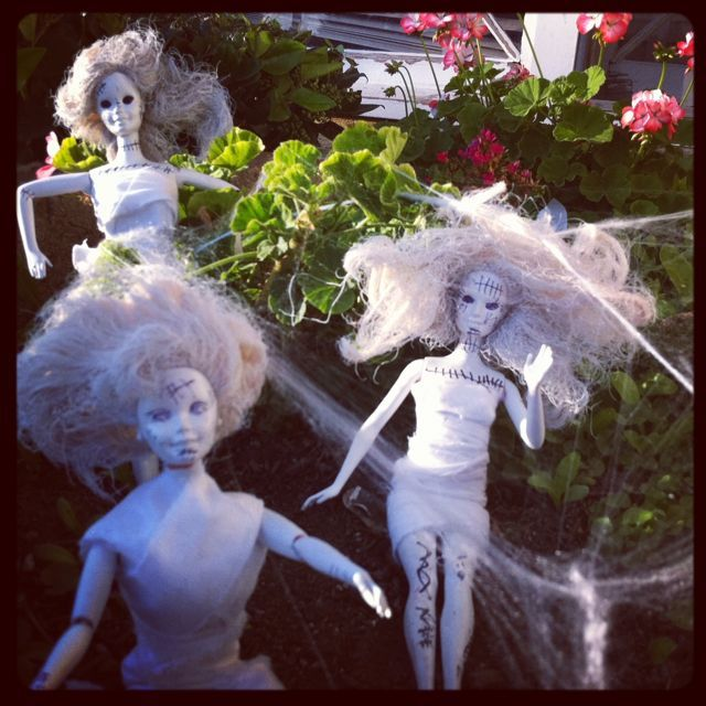 Love This For Halloween Time...zombie Barbie Garden