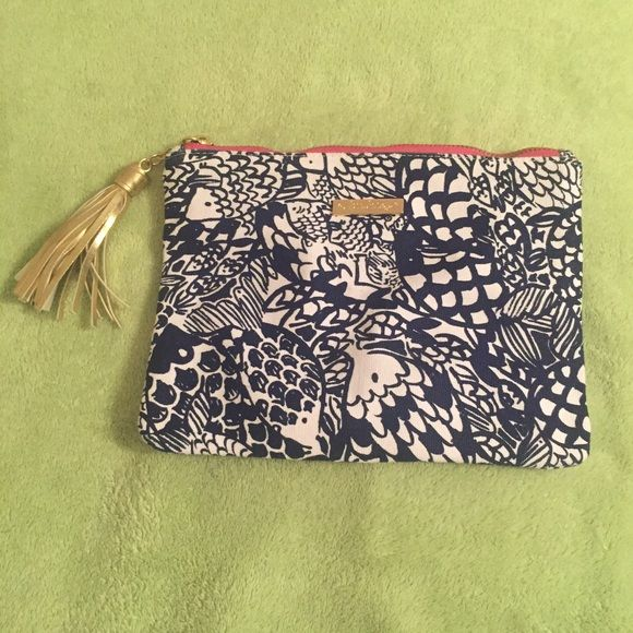 NWOT upstream cosmetics clutch Never used. Price is pretty firm to cover what I paid. Lilly Pulitzer for Target Bags Clutches & Wristlets