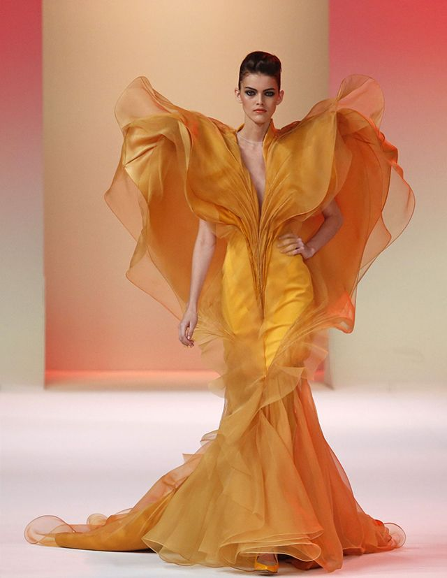 Click here to see gorgeous new designs from Stephane Rolland.