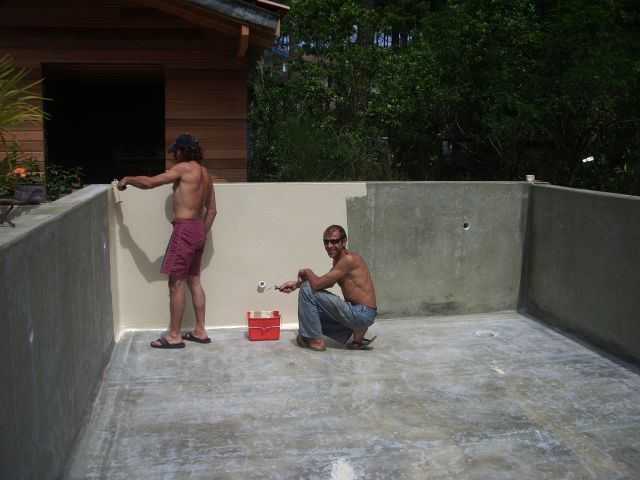 La construction de piscine debordement guide de fabrication pour construire sa piscine b ton for Construire sa piscine en beton