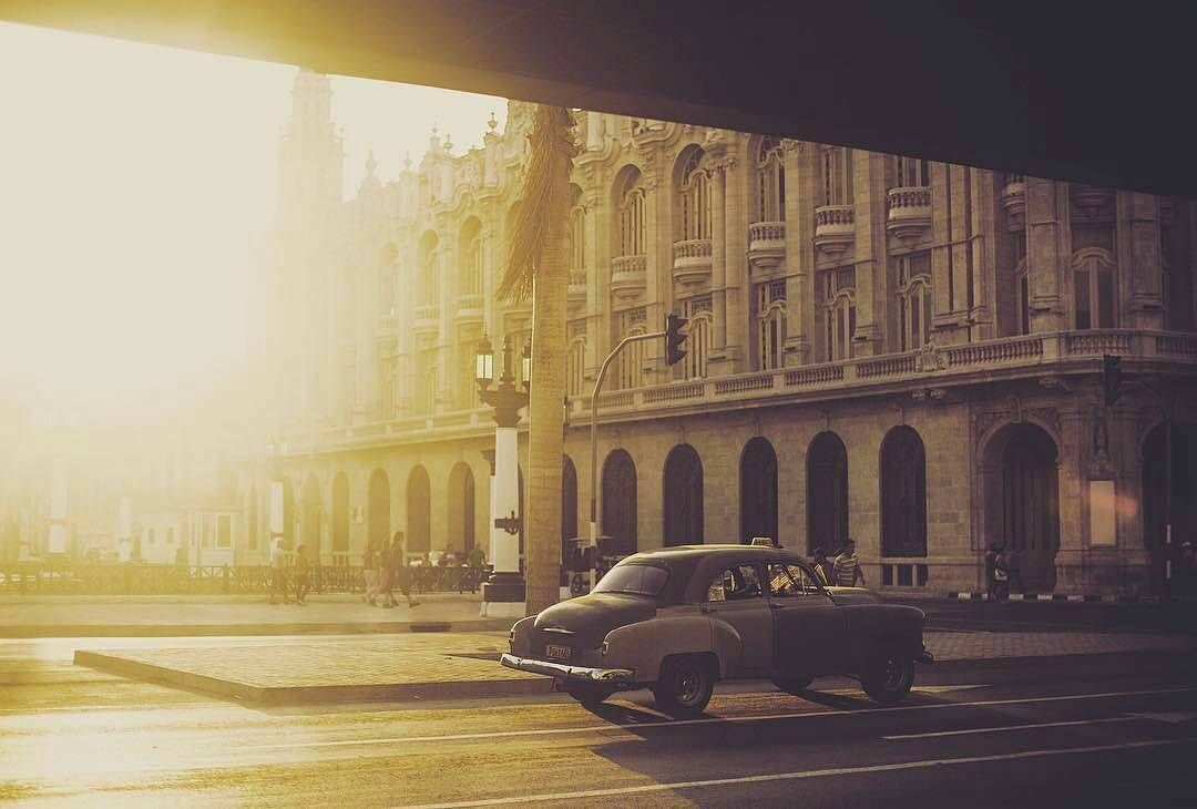 #Repost beautiful use of light in this shot by photographer @chrisroussakis  More classics in Havana #classiccars #Havana #Cuba
