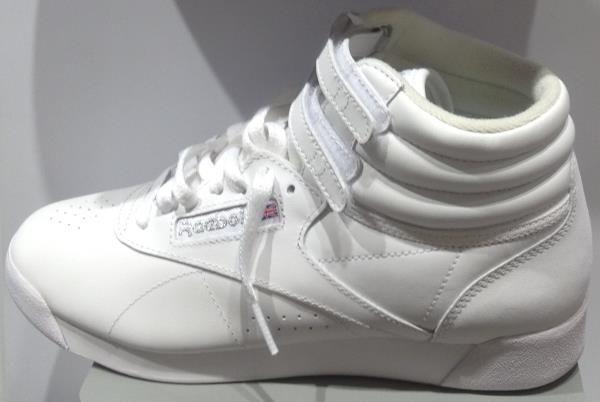 6e0107512fe5 Женские высокие кроссовки рибок   Мода  тенденции, коллекции, бренды ...
