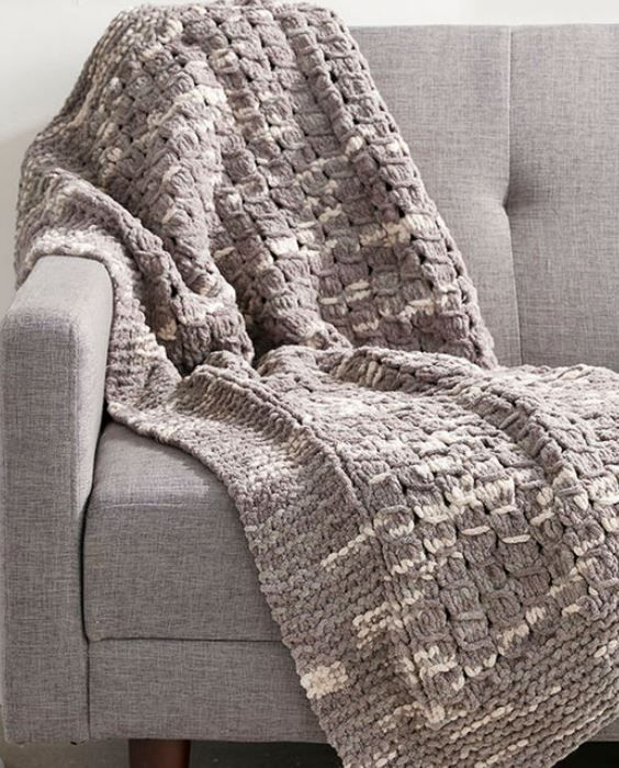 Quick afghan knitting pattterns knitting patterns yarns and blanket free knitting pattern for daydream blanket quick knit in bulky yarn with what looks like dt1010fo