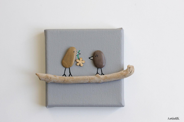 tableau galets oiseaux bois flott fond gris beige fleur couleurs nature format mini 10x10 cm. Black Bedroom Furniture Sets. Home Design Ideas