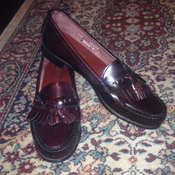 8419f80ae3 ... Dexter loafers with fringe and tassel detailing. Women s 7.5 NARROW.  NWOT! Never worn! Kind of a mahogany brown color. Dexter Shoes Flats    Loafers