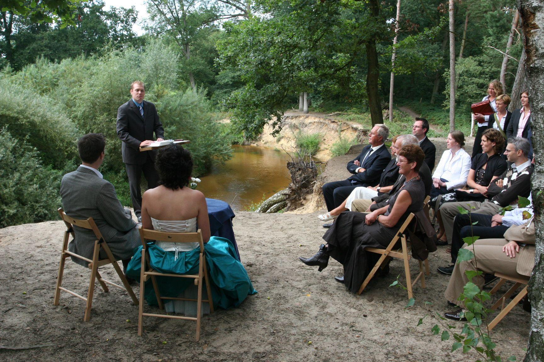 Bijzondere trouwlocatie in het bos aan het water voor for Schapenboerderij te koop